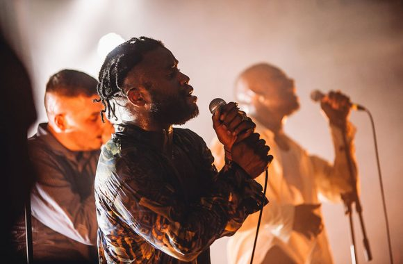 BXXI-YOUNG FATHERS FOTO 9